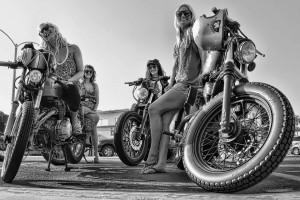 Chicas con moto 1