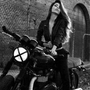 Chica moto 34